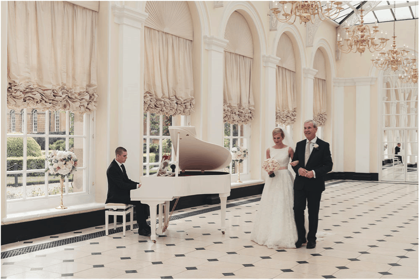 How A Grand Piano Can Give Your Wedding That Touch Of Magic